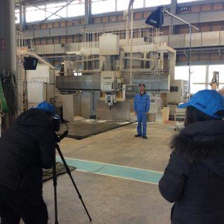 工場男子撮影
